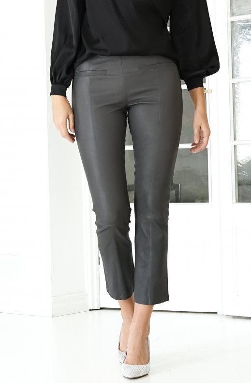 Fine Copenhagen - Ally Cropped Leather Pant Charcoal
